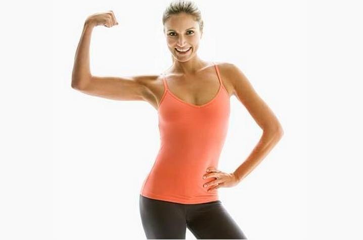 Mulher mostrando sua força